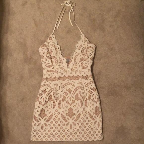 dd34e9d242e Tobi Dreamer White Lace Bodycon Dress. M 5b0f429fcaab4478c6a185ab